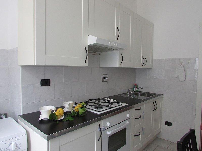 Lemon House Apartment Strategic Central Position - 5 Terre, Ferienwohnung in La Spezia