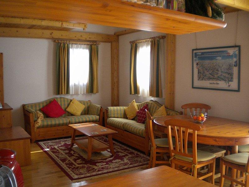 friendly family apartment in ski resort, location de vacances à Saint-André