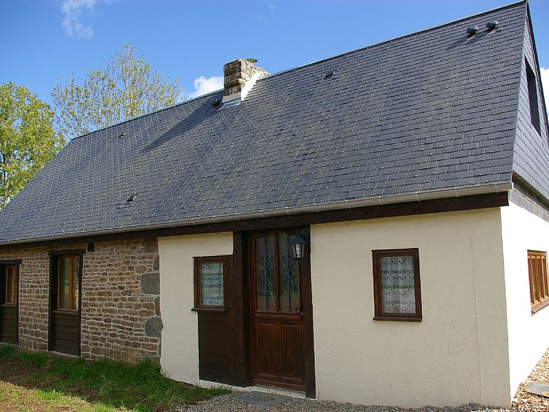 Country cottage in Calvados region of France, location de vacances à Vassy