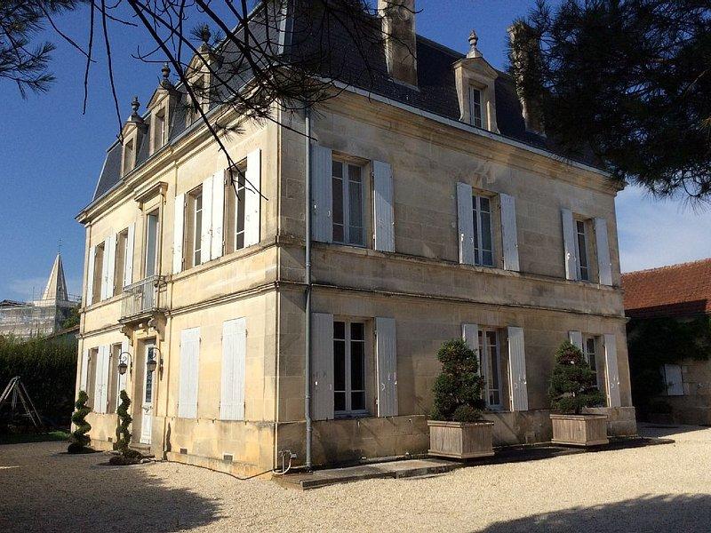 Maison charentaise du XIXème siécle, holiday rental in Courbillac