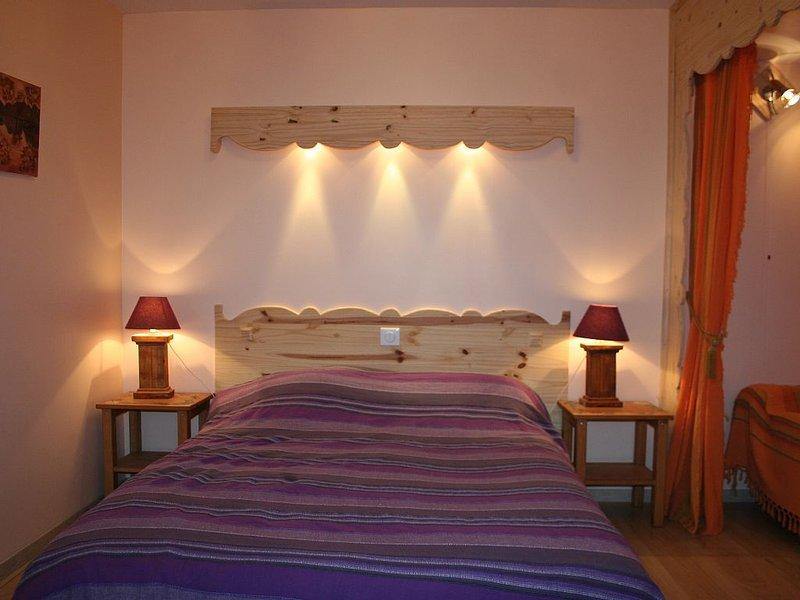 Appartement RDC , jardin privé ,sauna,  Haut jura ,animaux bienvenus, holiday rental in Chaux-Neuve