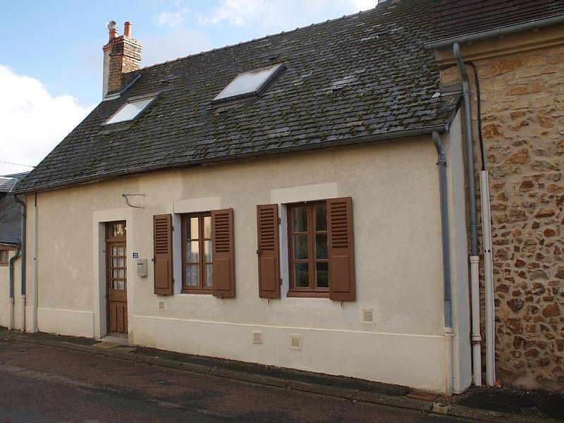 Les Petits Loirs - Maison de village, aux portes du Morvan, holiday rental in Verneuil