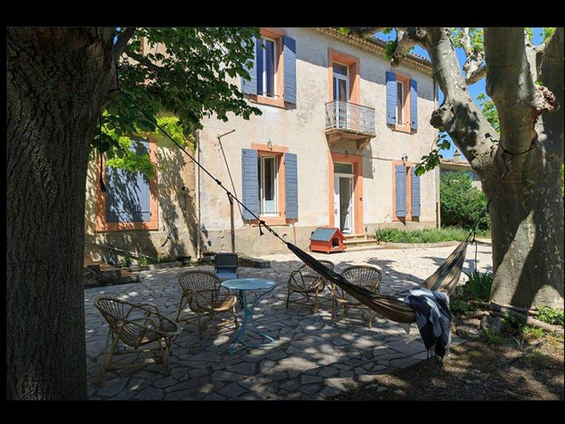 Appartement dans un Mas Provençal, holiday rental in Pelissanne