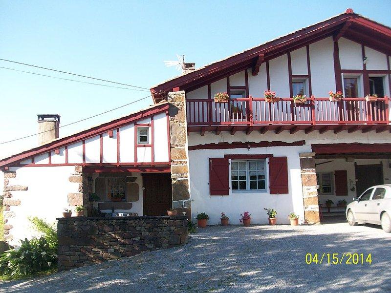 vacances grandeur nature a larraburuko-borda  GITE DE FRANCE  2 EPIS, casa vacanza a Sare