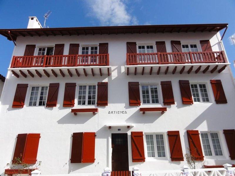 Saint Jean de Luz – T3 - 4 personnes - 300m plage, holiday rental in Saint-Jean-de-Luz