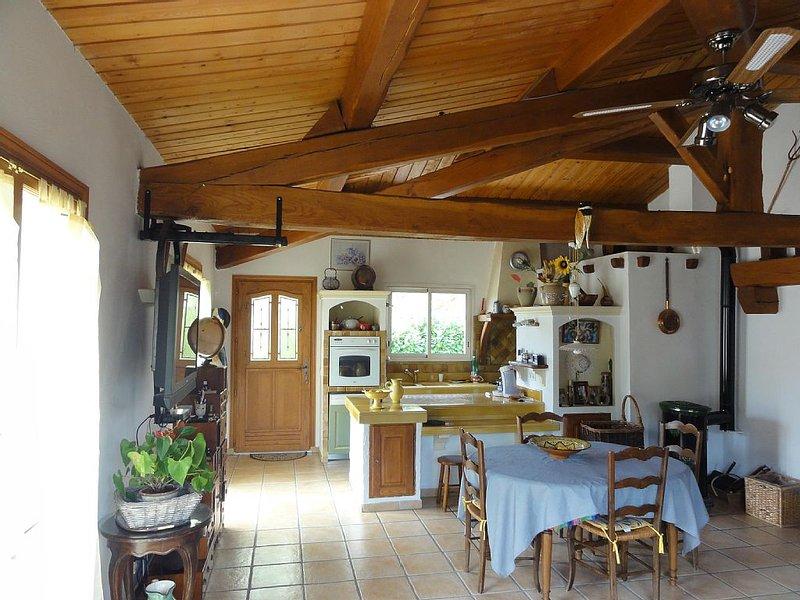 Maison 4 Pieces,Parking privée, Piscine ,très calme., vacation rental in Saint-Jeannet