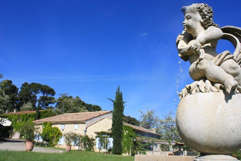Gîte BACCARAT, Domaine La Fourcade, Authentique et ancienne propriété, holiday rental in Capestang