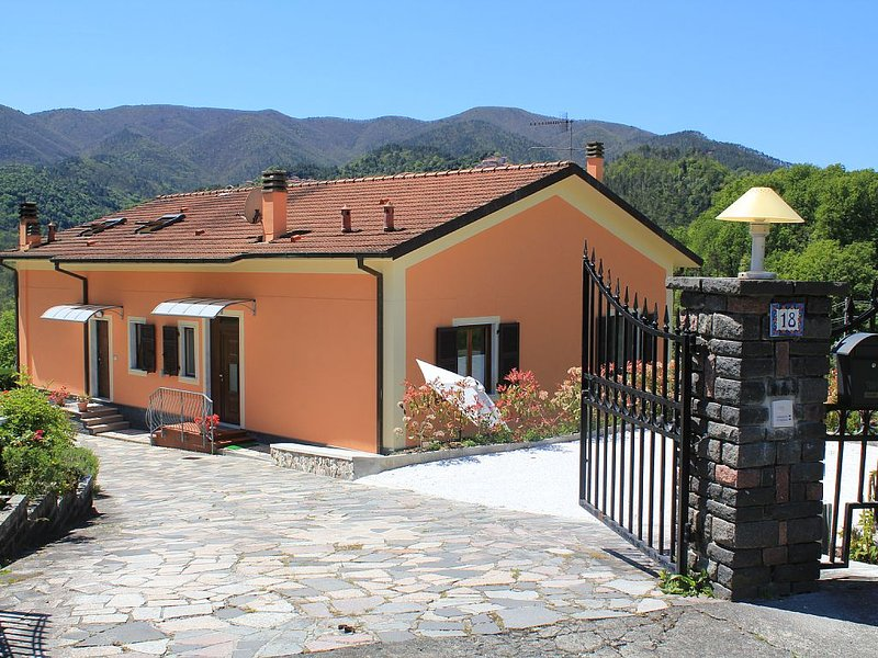 Welcome to our French friends!, holiday rental in Beverino