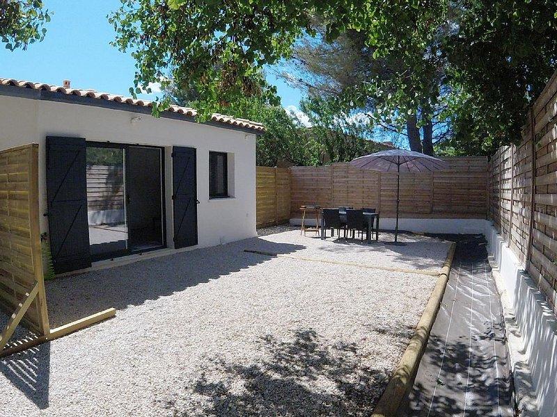 Maison climatisée au calme avec jardin, à 900 mètres des plages, location de vacances à La Ciotat