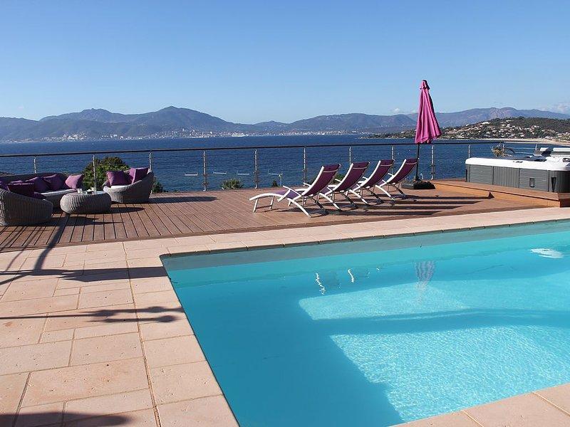 PORTICCIO - PIETROSELLA - Villa de standing , à 50 mètres de la mer, location de vacances à Pietrosella