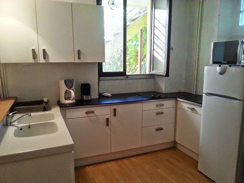 Appartement tout confort en plein coeur de Vals les Bains, holiday rental in Prades