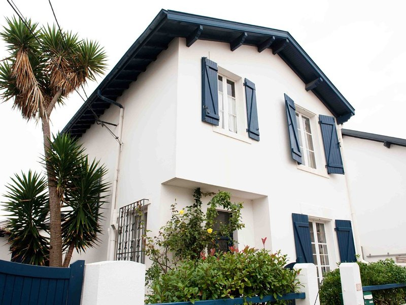 UNE BELLE MAISON AU COEUR DE BIARRITZ, vacation rental in Biarritz