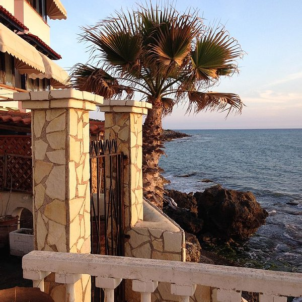 Villa Rena by the sea!, holiday rental in Gastouni