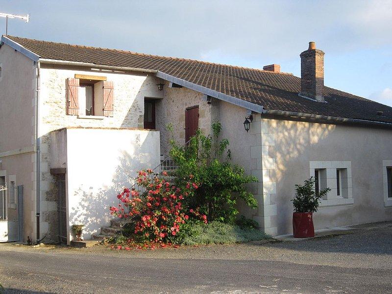 gîte Angevin 2 à 4 personnes 60m² avec entrée indépendante, vacation rental in Doue-la-Fontaine