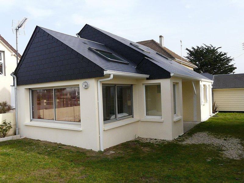 Villa Coudeville/plage (St-Martin-de-Bréhal), 2 chambres, à 30 m. de la plage, alquiler vacacional en Longueville