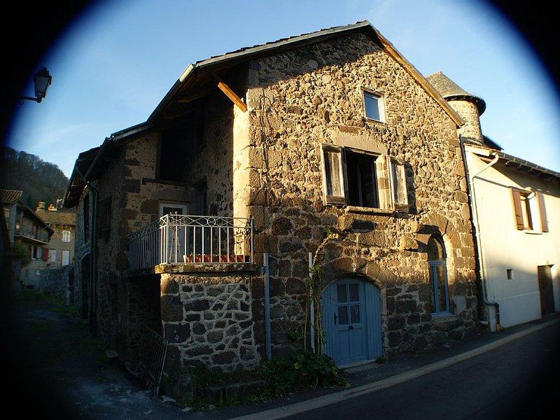 Gîte L'Ostal del Courredou, holiday rental in Lascelle