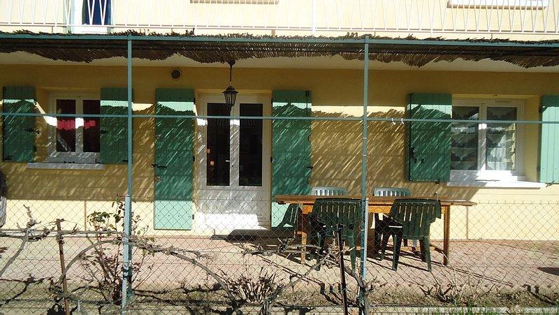 appartement jardin entre mer, Camargue et Cévennes, location de vacances à Caveirac