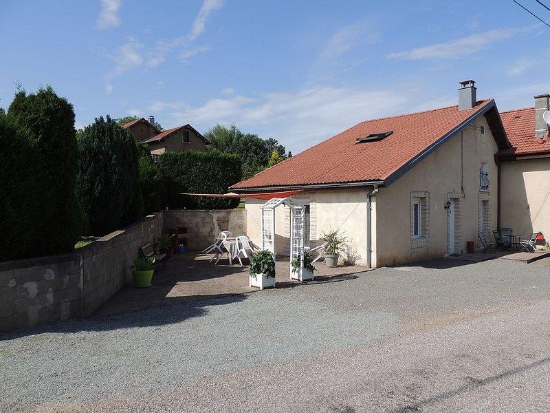 Gite au coeur d'un beau petit village de campagne, holiday rental in Ronchamp
