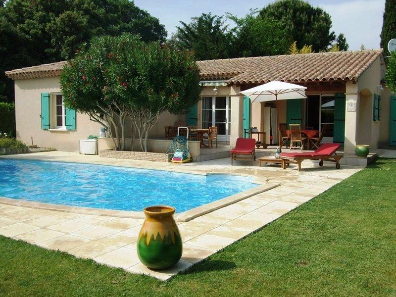Maison / villa CHUSCLAN à louer / 8-10 personnes, holiday rental in Venejan