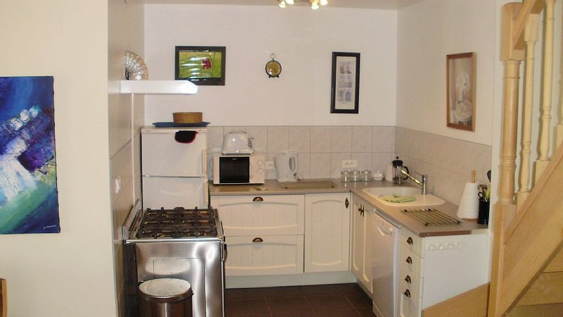 cottage in Aveyron near Conques, Belcastel, Baths of Cransac, vacation rental in Belcastel