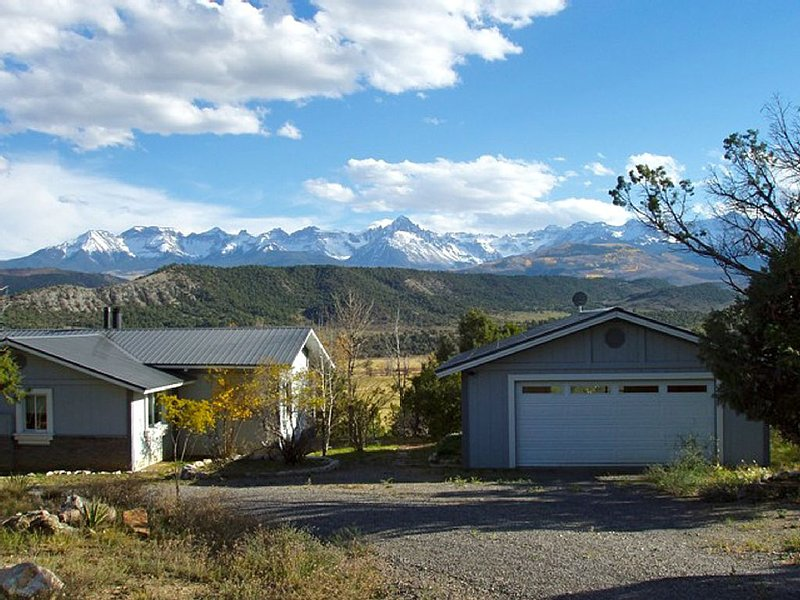 Immaculate Home with Unparalleled Views near Telluride, location de vacances à Ridgway