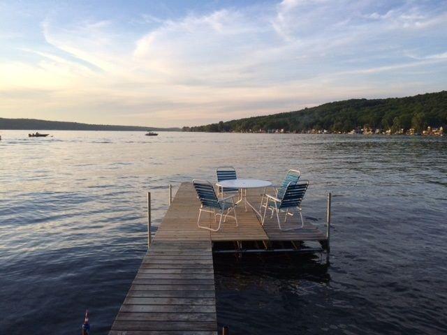 Conesus Lake Cottage Rental, Sleeps 6, alquiler vacacional en Lakeville