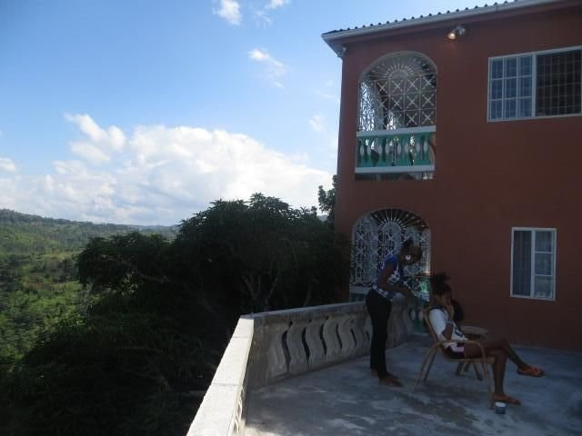 Perfect home for rest and relaxation. Breathtaking view of the carribean sea., holiday rental in Hanover Parish