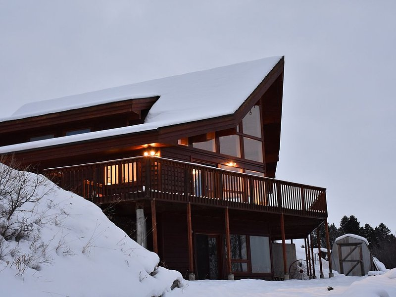 Drinking Horse Haven for Outdoor Adventurists Nestled At The Base Of Bridger Mtn, holiday rental in Bozeman