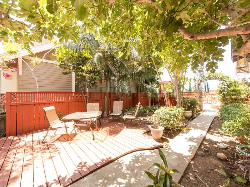 1 bedroom cottage in best the area of North Park w private yar, vacation rental in San Diego