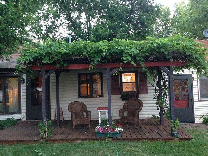 Waterfront Cottage: 2 bedroom, 1.5 bathrooms, holiday rental in Door County