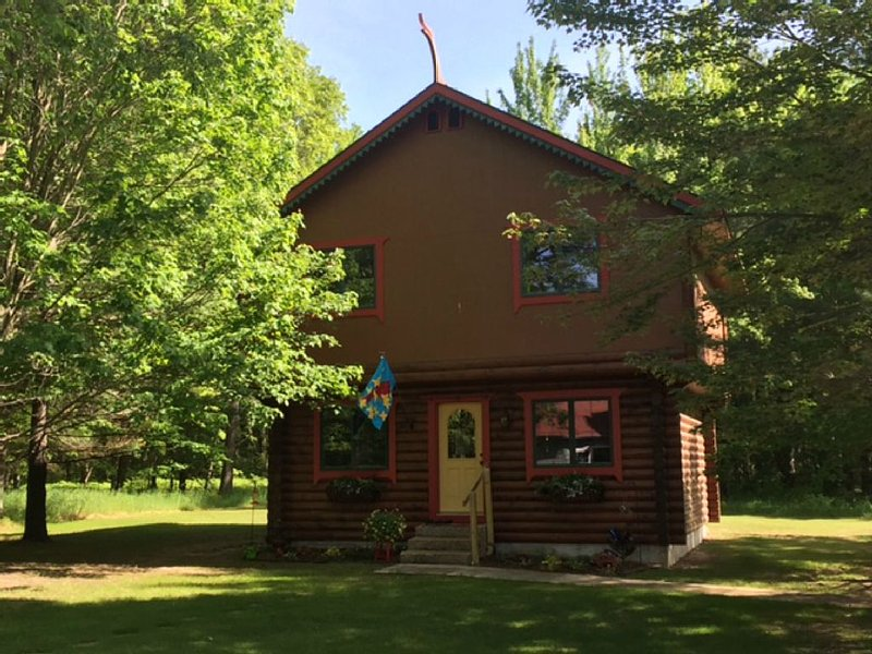 The Cardinal Nest - A Norwegian Stabbur, alquiler de vacaciones en Lake City
