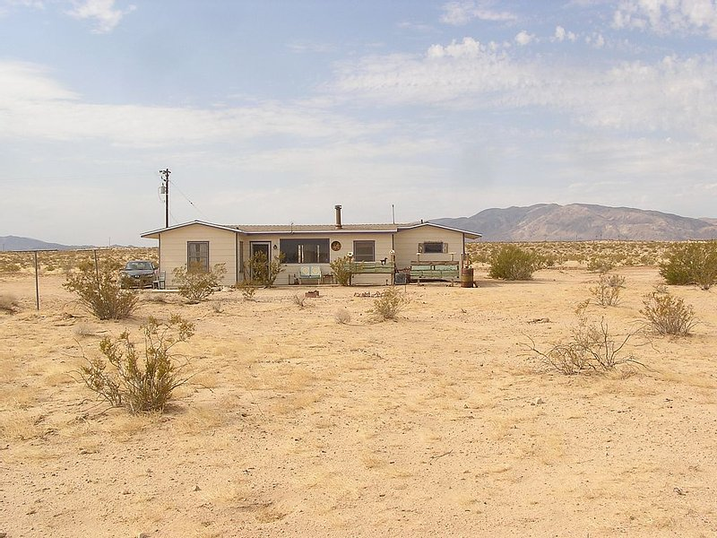 Desert Wonderland: A Quiet Escape Minutes From Joshua Tree National Park, holiday rental in Twentynine Palms