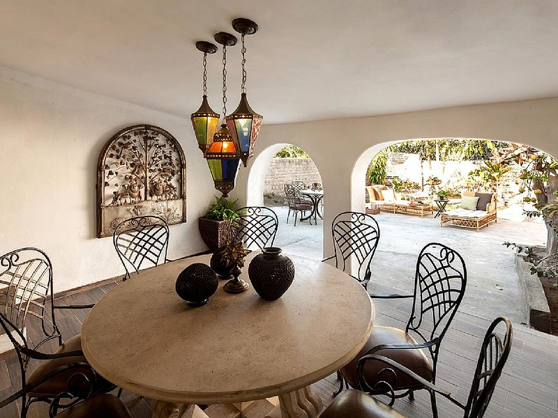 Traditional downtown 3brm casita with beautiful courtyard, holiday rental in Todos Santos