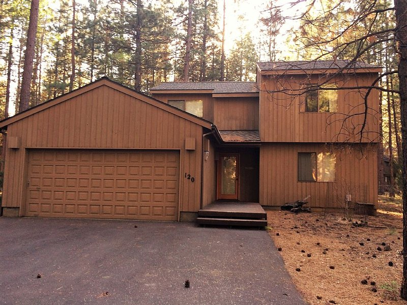 Beautiful Black Butte Ranch Home With Amazing Location, holiday rental in Sisters