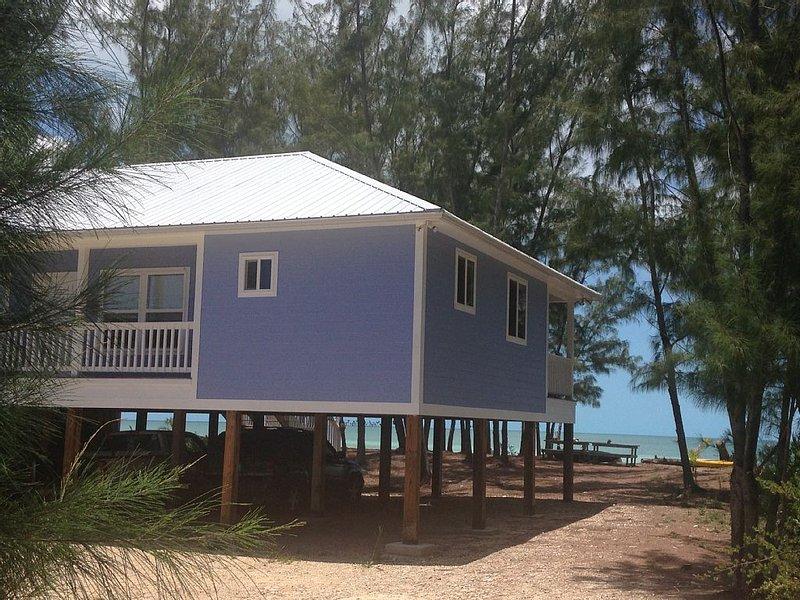 'Baha Mara' - New Tarpum Bay Beachfront, location de vacances à Rock Sound
