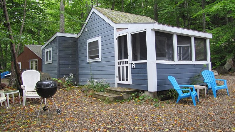 Awesome Lake views (not access)  and Simple living, holiday rental in Alton