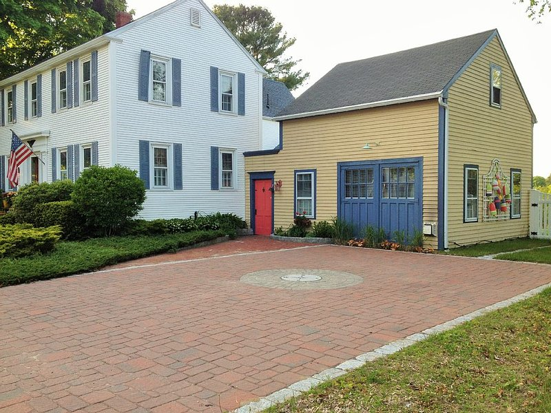 Great Couple Get-Away - Pet-Friendly - Small Family Friendly too!, holiday rental in Kennebunk