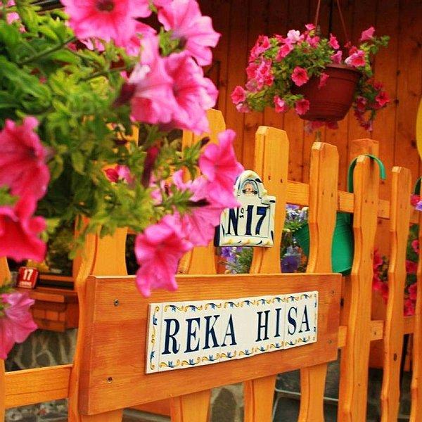 Reka Hisa  River Side Chalet, holiday rental in Sv. Lenart