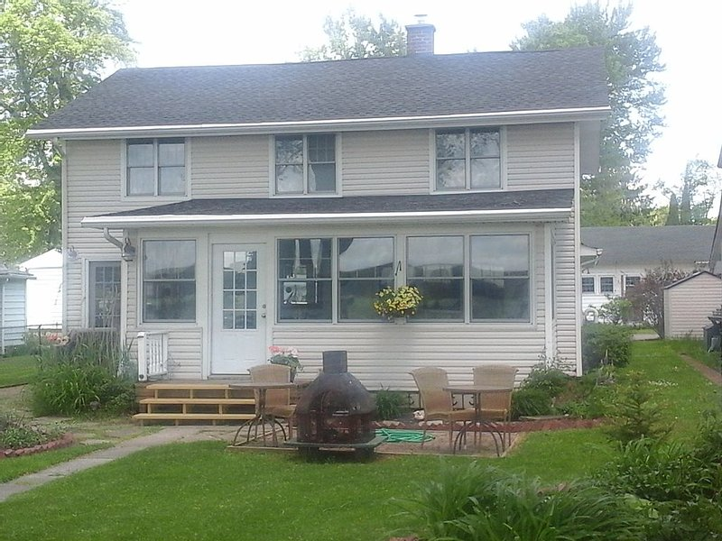 Chautauqua Lake Front Property - Walk to the Village of Bemus Point!, vacation rental in Chautauqua County
