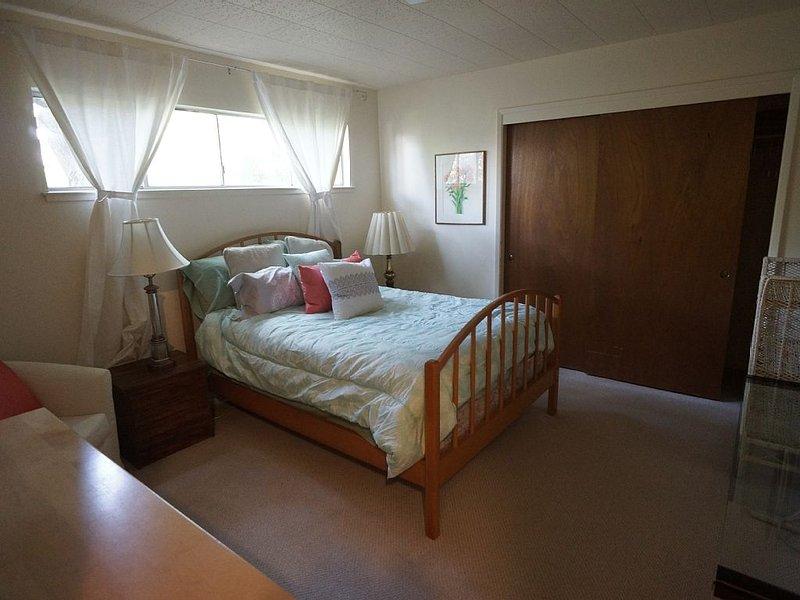 Quiet 1 bedroom walking distance from UC Berkeley!, vacation rental in Orinda