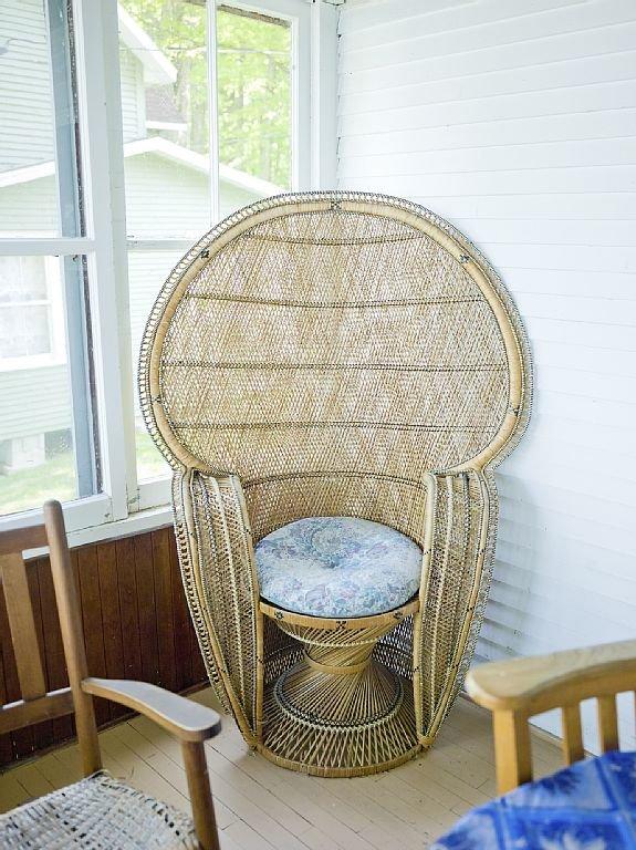 Comfort on the veranda overlooking the St-Lawrence