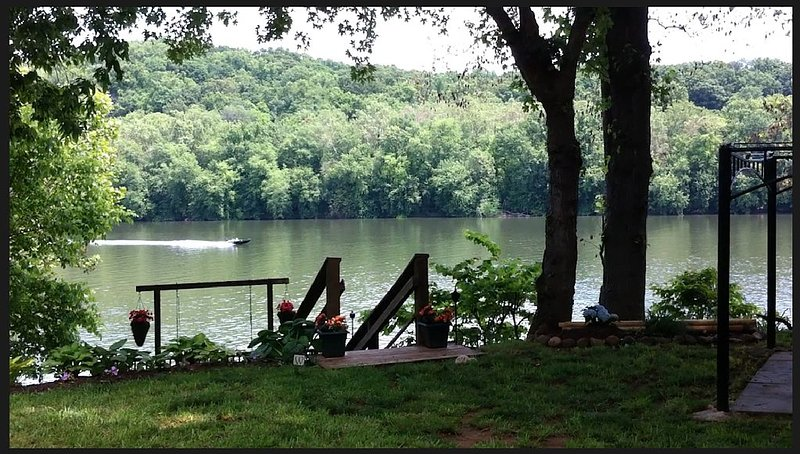 RIVERKEEPER INN, Waterfront Property on the Potomac River, holiday rental in Sharpsburg