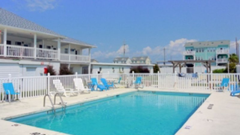 Beach Get Away_1stFloor_Max6_WiFi, vacation rental in Atlantic Beach