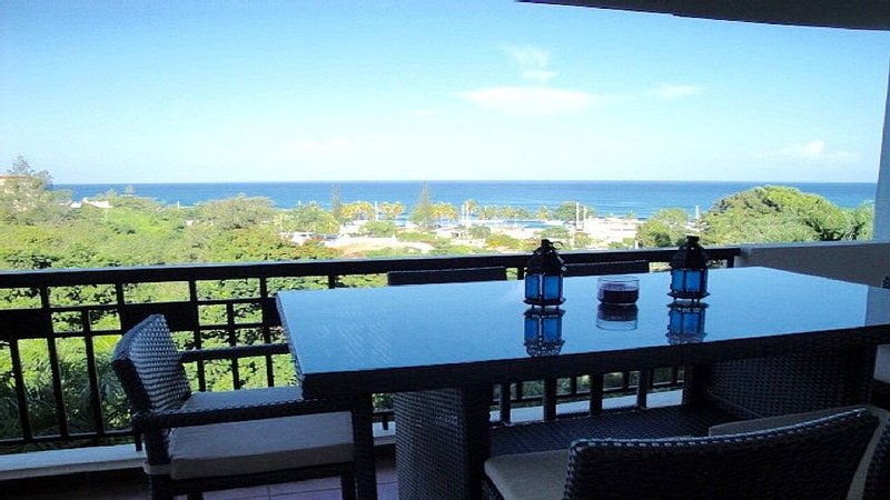 Breathtaking Ocean Views With All The Amenities, West Coast, Puerto Rico, holiday rental in Aguada
