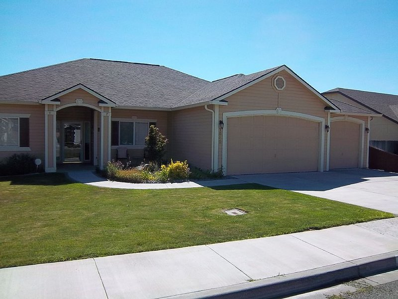 Tri-Cities Home Away From Home, vacation rental in Kennewick