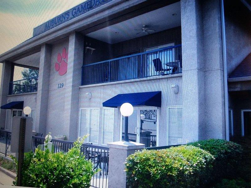 *New Listing* Auburn's GameDay Condo Sleeps 5 -- Closest to Campus, aluguéis de temporada em Tuskegee