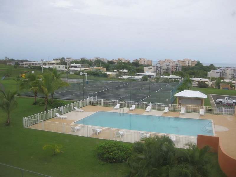 Ph Apartment With Spectacular Ocean View, holiday rental in Luis M. Cintron