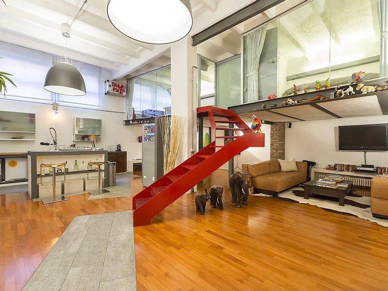 Luxury Loft DUOMO Walking Distance, 2 bedrooms, 120sqm A/C, vacation rental in Milan