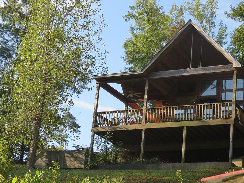 Cozy Cabin on Little Red River, casa vacanza a Tumbling Shoals