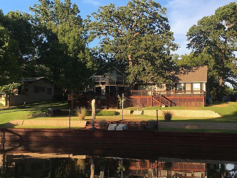 Family Lakeside Retreat, location de vacances à Kemp